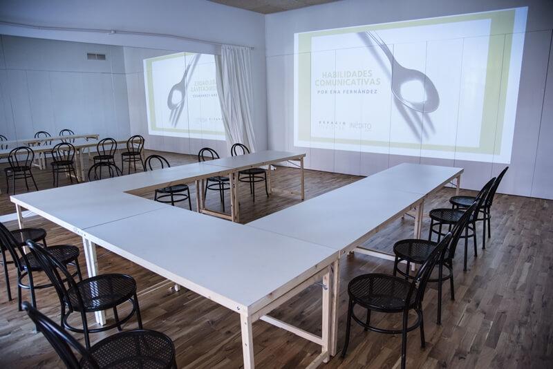 Sala de presentaciones espacio invisible